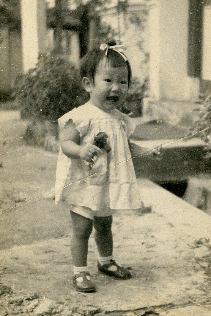 Mother of Nicholas Ye
